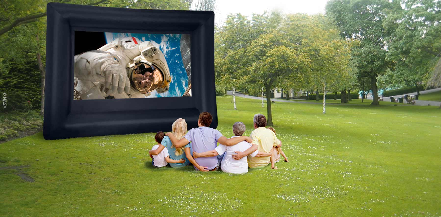 LOCH Inflatable Screen